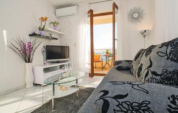 Rabac, Pokój dzienny w zakwaterowaniu typu apartment, dostupna klima, dopusteni kucni ljubimci i WIFI.