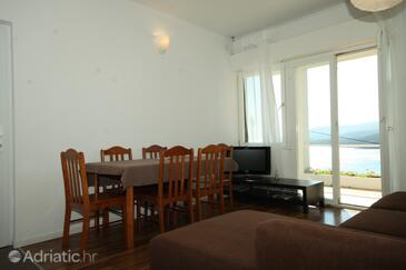 Rabac, Dining room in the apartment, dostupna klima.