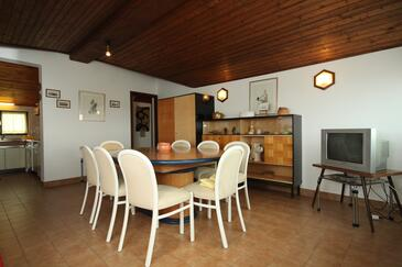 Premantura, Dining room in the apartment.