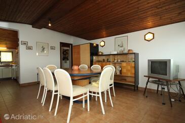 Premantura, Dining room in the apartment.