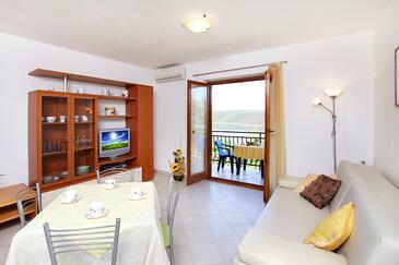 Trget, Obývací pokoj v ubytování typu apartment, dostupna klima i WIFI.