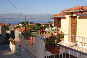 Sutivan, Brač, Property 745 - Apartments with pebble beach.