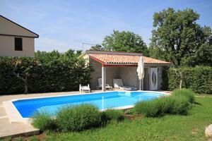 Family friendly apartments with a swimming pool Štokovci (Central Istria - Središnja Istra) - 7457