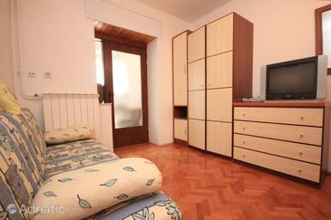 Štokovci, Living room in the studio-apartment, air condition available and WiFi.