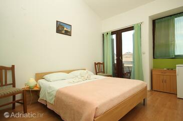 Premantura, Bedroom in the room, air condition available, (pet friendly) and WiFi.