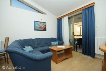 Selce, Living room in the apartment, dostupna klima i WIFI.