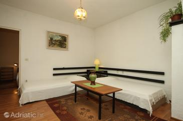 Rabac, Living room in the apartment, (pet friendly) and WiFi.