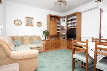 Senj, Pokój dzienny w zakwaterowaniu typu apartment, dostupna klima i WIFI.