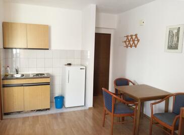Dugi Rat, Столовая в размещении типа studio-apartment, WiFi.