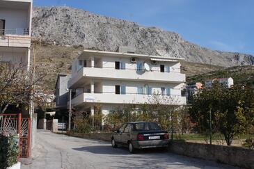 Dugi Rat, Omiš, Alloggio 7481 - Appartamenti affitto con la spiaggia ghiaiosa.