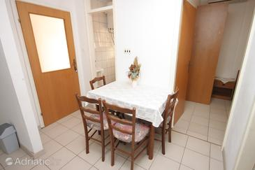 Medići, Dining room in the apartment, WIFI.