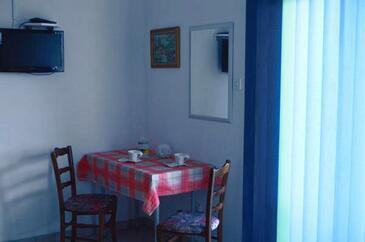 Medići, Jedáleň v ubytovacej jednotke studio-apartment, WiFi.