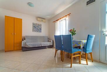 Ražanj, Dining room in the apartment, air condition available and WiFi.