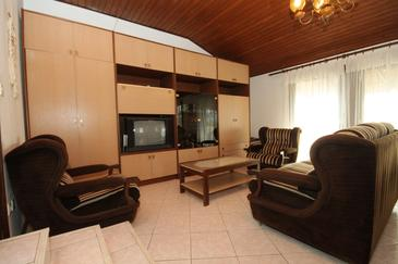 Banjole, Obývací pokoj v ubytování typu apartment, domácí mazlíčci povoleni a WiFi.