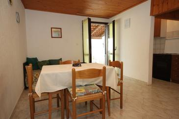 Banjole, Jídelna v ubytování typu apartment, domácí mazlíčci povoleni a WiFi.