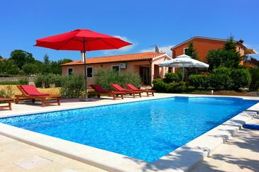 Orihi, Središnja Istra, Property 7492 - Vacation Rentals with pebble beach.