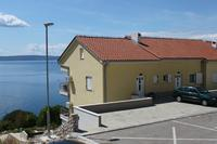 Apartments with a parking space Novi Vinodolski - 7503