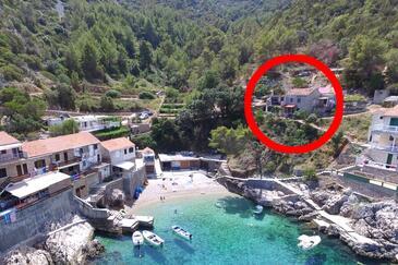 Pobij, Hvar, Hébergement 7506 - Appartement à proximité de la mer avec une plage de galets.