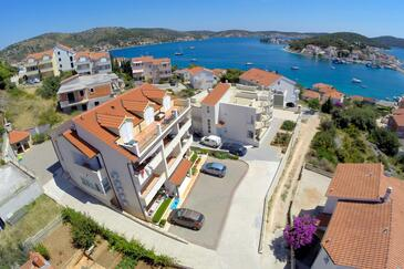 Rogoznica, Rogoznica, Property 7515 - Apartments with pebble beach.