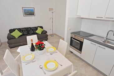 Sutivan, Гостиная в размещении типа apartment, Домашние животные допускаются и WiFi.