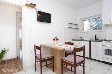 Mimice, Столовая в размещении типа apartment, доступный кондиционер и WiFi.