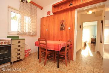 Mimice, Dining room in the apartment, dopusteni kucni ljubimci i WIFI.