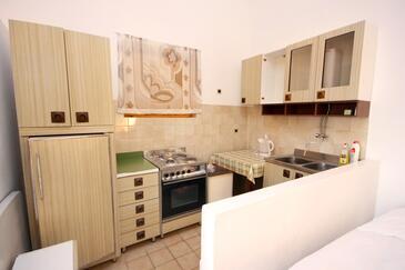 Pisak, Kuchyně v ubytování typu studio-apartment, WiFi.