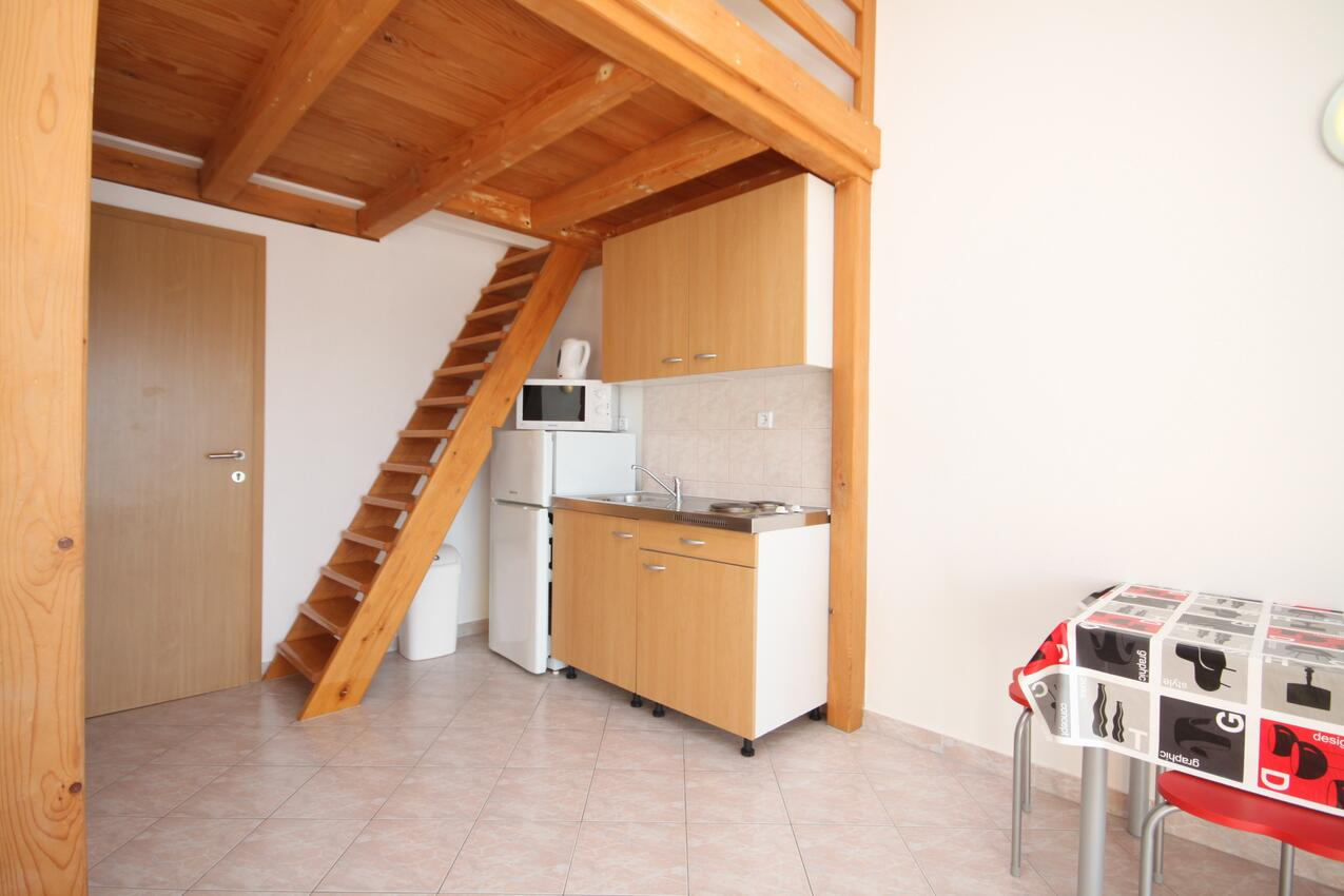Ferienwohnung Studio Appartment im Ort Due (Omia), Kapazität 2+0 (2077165), Omiš, , Dalmatien, Kroatien, Bild 3