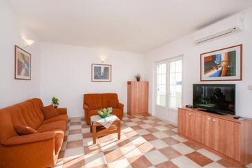 Zatoglav, Obývací pokoj v ubytování typu apartment, klimatizácia k dispozícii a WiFi.