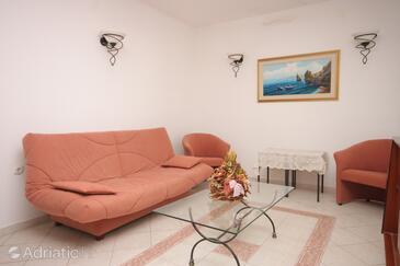 Supetar, Living room in the house, dostupna klima i WIFI.