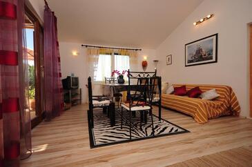 Sumpetar, Obývacia izba v ubytovacej jednotke apartment, dostupna klima, dopusteni kucni ljubimci i WIFI.