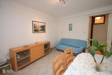 Brna, Living room in the apartment, dostupna klima.