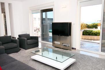 Rogoznica, Sala de estar in the apartment, air condition available y WiFi.