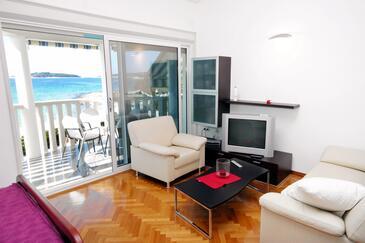 Rogoznica, Obývací pokoj 1 v ubytování typu studio-apartment, klimatizácia k dispozícii a WiFi.