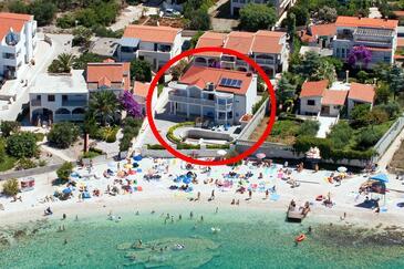 Rogoznica, Rogoznica, Obiekt 7557 - Apartamenty przy morzu ze żwirową plażą.