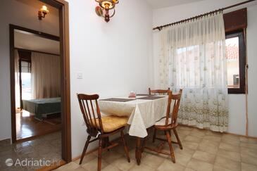 Rogoznica, Ebédlő szállásegység típusa apartment, háziállat engedélyezve és WiFi .
