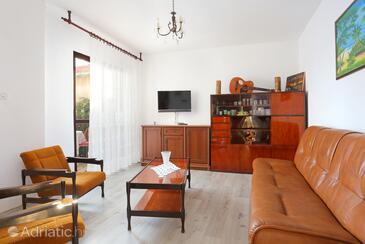 Rogoznica, Dnevni boravak u smještaju tipa apartment, kućni ljubimci dozvoljeni i WiFi.