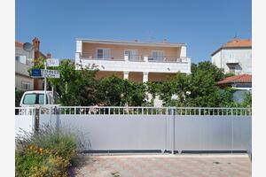 Apartments by the sea Rogoznica - 7558