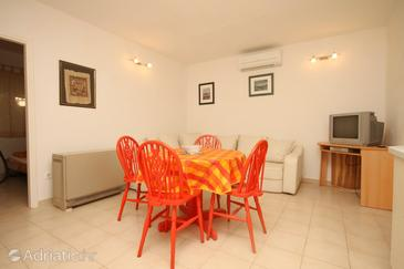 Split, Dining room in the apartment, dostupna klima.