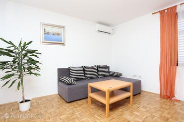 Borak, Living room in the apartment, dostupna klima, dopusteni kucni ljubimci i WIFI.