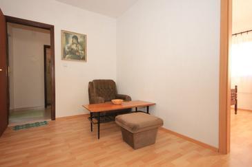 Bušinci, Pokój dzienny w zakwaterowaniu typu apartment.