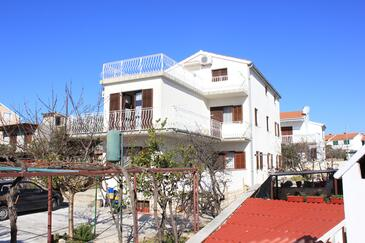 Bušinci, Čiovo, Obiekt 7573 - Apartamenty przy morzu ze żwirową plażą.