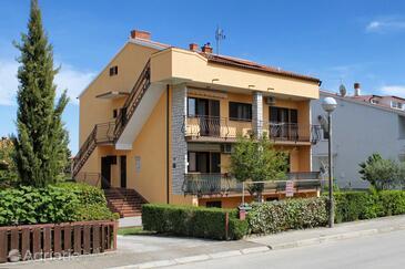 Valbandon, Fažana, Property 7579 - Apartments with pebble beach.