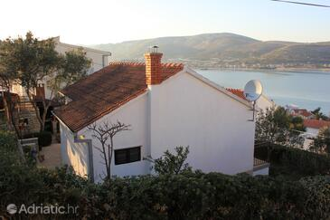 Mastrinka, Čiovo, Property 7583 - Vacation Rentals with pebble beach.