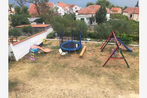 Family friendly seaside apartments Slatine, Čiovo - 7584