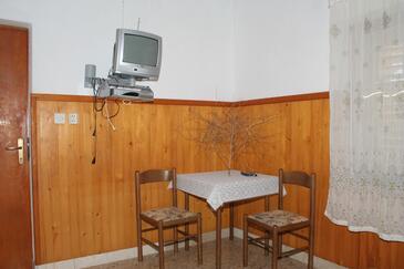 Povlja, Jadalnia w zakwaterowaniu typu studio-apartment, dostupna klima i WIFI.