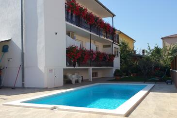 Pula, Pula, Объект 7610 - Апартаменты с галечным пляжем.