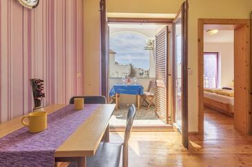 Pješčana Uvala, Dining room in the apartment, WIFI.