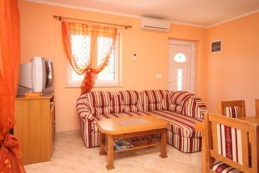 Ližnjan, Living room in the apartment, dostupna klima, dopusteni kucni ljubimci i WIFI.