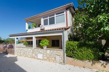 Supetar, Brač, Obiekt 7631 - Apartamenty ze żwirową plażą.